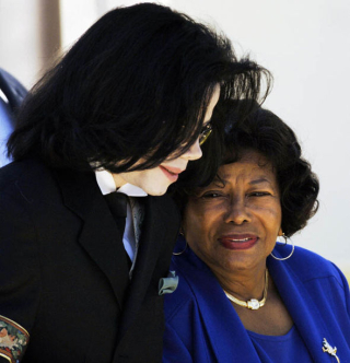 Michael-jackson-mother-166450